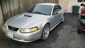 2000 Ford Mustang Fastback Coupe (2 door)