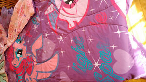 Pink and purple My Little Pony twin size bedding set.