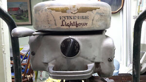 Hors-bord antique Evinrude Lightfour 1948 10hp