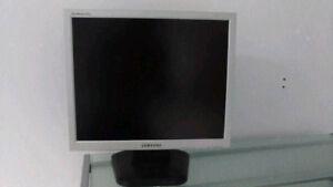"Écran Moniteur  19"" Samsung SyncMaster 912N"
