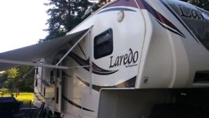 Fithwheel Laredo 2012. 27.5 pieds 7,400 lbs