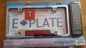 Programmable scrolling licence plate frame/cadre plaque auto