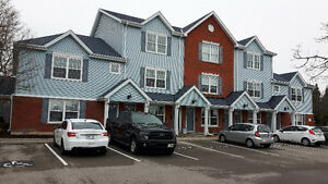 COBOURG: Clean 2-bedroom condo townhouse flat by the lake