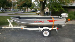 12 foot Lund bass boat