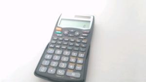 Calculatrice double affichage Sharp scientifique