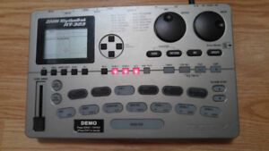 ZOOM RythmTrak RT-323 Drum  & Bass machine