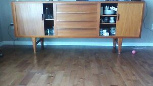 TEAK BUFFET WITH SLIDING DOORS