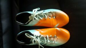 Umbro Soccer Cleats size 7 - Great Condition