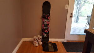 Ride Rapture Snowboard 143, Boots, and Travel Bag