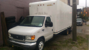 Ford E-450 cube truck 17 feet Great condition