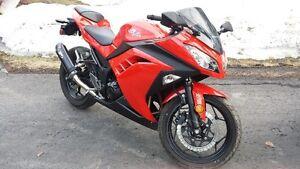 2013 Kawasaki Ninja 300! Mint!