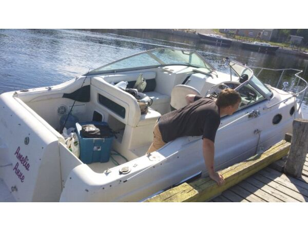 1997 Regal Marine 258