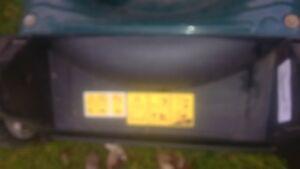 YardWorks 149CC Kohler Powered 2 N 1 Lawnmower As New London Ontario image 8