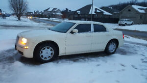 LOW KM 2005 Chrysler 300