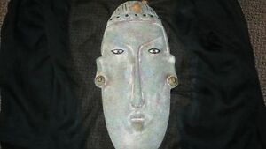 VINTAGE HAND CARVED HEAVY AFRICAN TRIBAL MASK WALL ART Kitchener / Waterloo Kitchener Area image 1