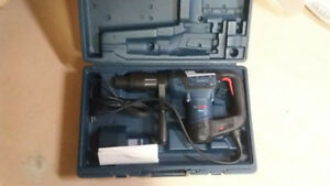 BOSCH COMBINATION HAMMER BRAND NEW