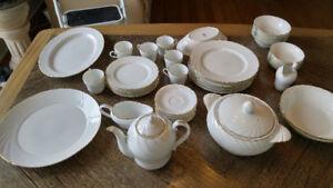 Vaisselle Bone China MONNO ceramic 6 couverts complets soupière+