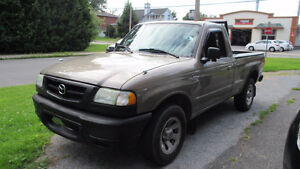 2004 Mazda B-Series Pickups charcoal Camionnette