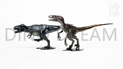 DINO DREAM Velociraptor & Trex faux bronze set