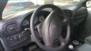 Dodge caravan 2005 avec rack à echelles