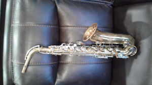KING CLEVELAND A/SAX 1965 OR 66 - E COND. - $325 (Fraser Valley)