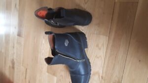 Size 10 Ladies Harley boots [ never worn ]