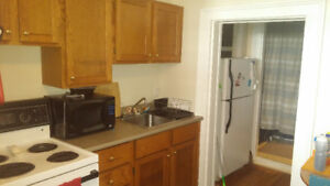 One Bedroom Near The Commons
