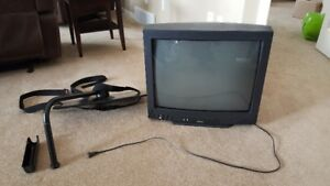 """24"""" Symphonic TV and Wall Mount"""