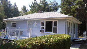 IPPERWASH BEACH COTTAGE JUST STEPS TO THE LAKE!