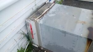 ICE COLD AIR Conditioner.  Industrial Size