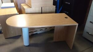 Tables ovale 30 x 60  ou table rectangulaire( 24 X 48 pouces).