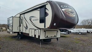DEAL OF THE SUMMER !!!! NEW SIERRA 375RKS LUXURY CAMPING