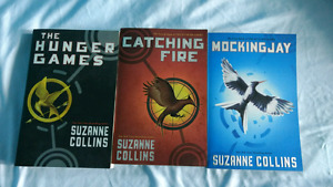 10/10 condition hunger games book series