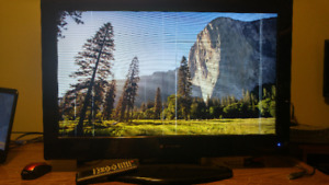 """32"""" LCD Television no offers going to dump"""