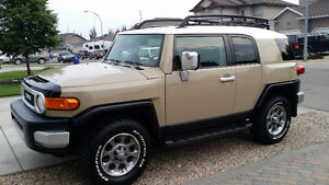 2012 Toyota FJ Cruiser Urban Edition SUV, Crossover