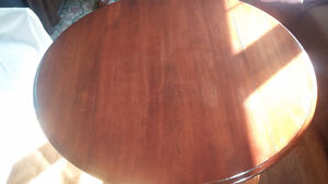 Round drop leaf dinning table