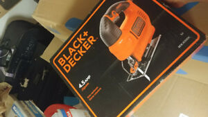 Black Decker 4.5amp jigsaw almost new with blades