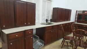 Brown Kitchen Set. at Cambridge ReStore