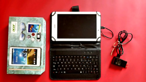 Ultra fast Tablet w/ Keyboard * Charger