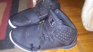 Under armour black hightops like new 40.00