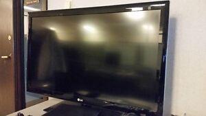 LG 42LD630 240Hz LCD Television 1080p