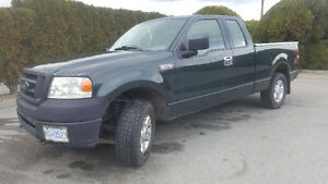 2006 Ford F-150 XLT Pickup Truck (low km tons of extras)