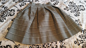 Never Worn Pleated Skirt in white and black- Size Medium