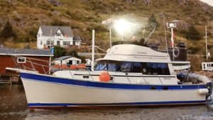 34' Mainship Trawler In Amazing Shape