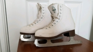 Ice skates youth size 1