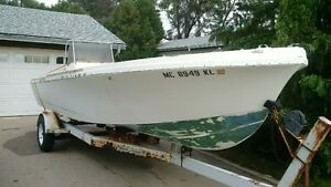 20ft Mako center console and trailer Project $1200