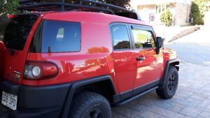2012 FJ CRUISER IN GOOD CONDITION