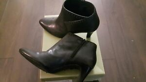 CLARK black leather boots