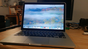 MacBook Pro  w/ Retina i5. 8RAM. 256SSD. Intel HD 5100 graphics