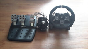 Logitech G920 racing wheel, pedals and shifter for xbox and PC